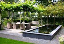 Tuinaanleg service hovenier emmen tuin aan laten leggen for Tuin aan laten leggen